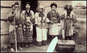 Los ainu; los rebeldes de Japón.